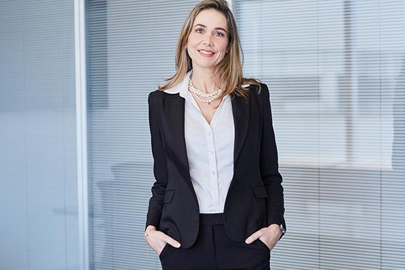 Flávia Buiati - VICE-PRESIDENTE JURÍDICO, FINANCEIRO & RH